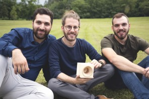 L'amplificatore fatto con gli alberi caduti nelle Dolomiti