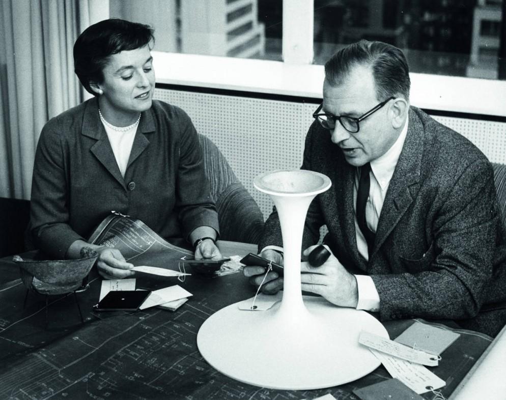 002_Florence Knoll and Eero Saarinen_Courtesy of Knoll_