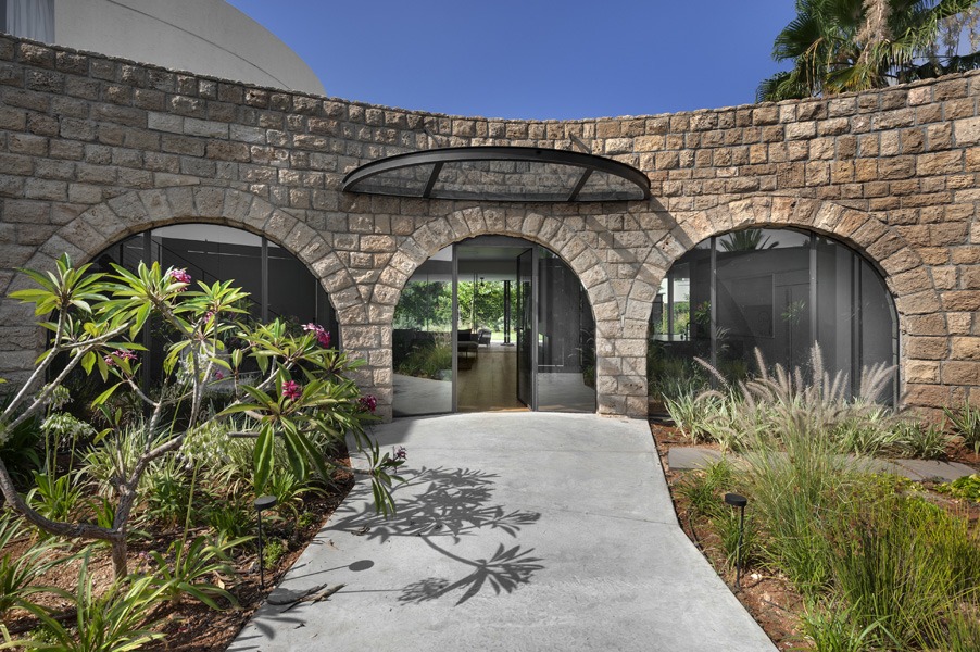 15_LVR_Opher Erez Architects_Arched Wall