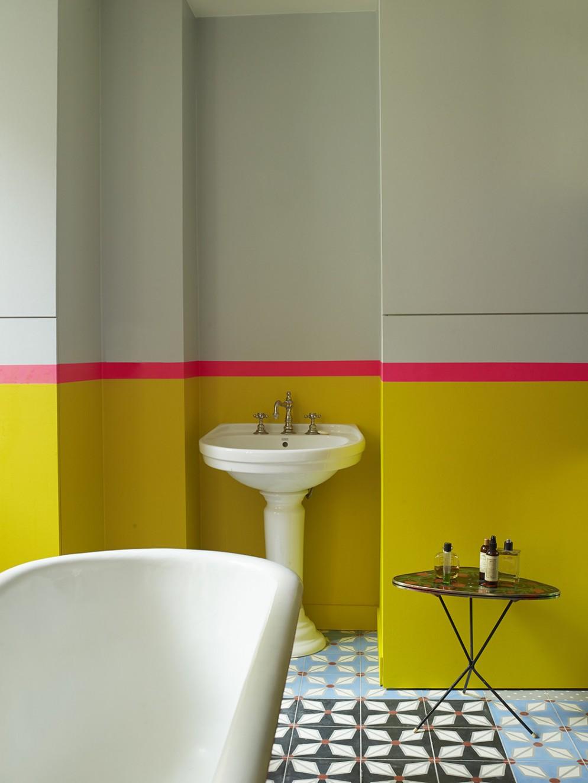bagno-piccolo-colore-14-Foto Gaelle Le Boulicaut-living-corriere