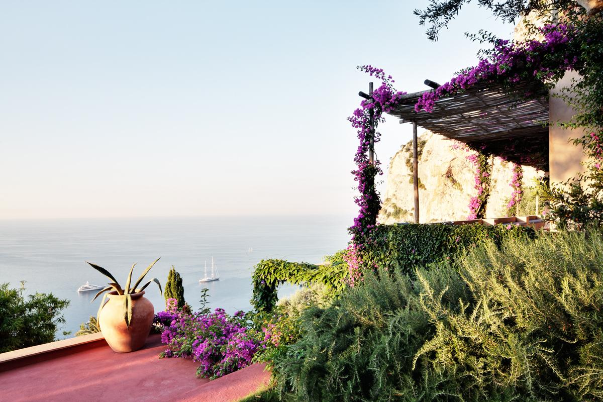 Le case di vacanza dei designer: 5 modi di vivere l'estate - Foto