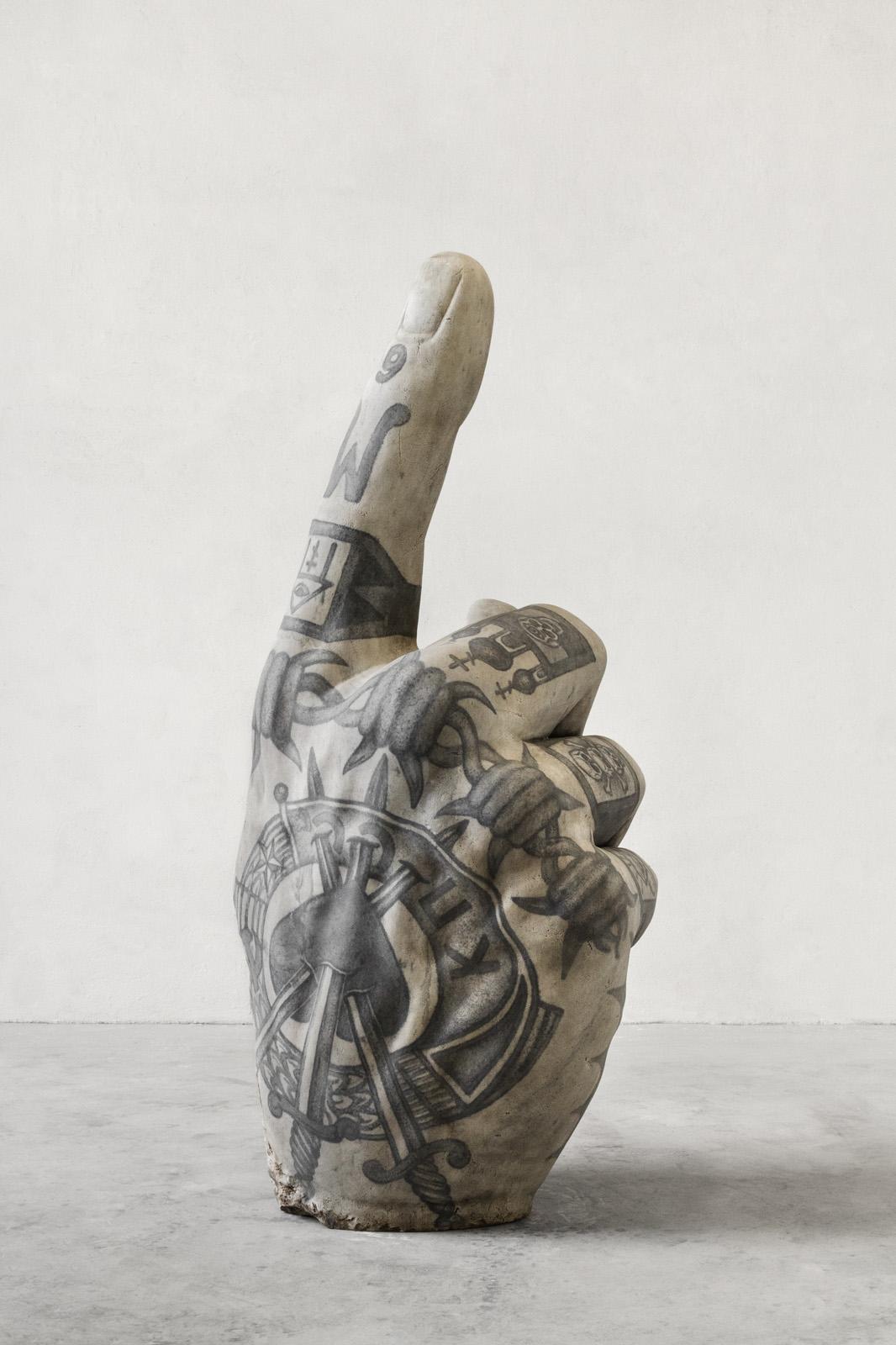 Le sculture tatuate di Fabio Viale – Foto