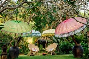 Ombrelloni da giardino, dal tecnico al tiki style