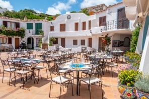 Paella e champagne sangria a Porto Rafael