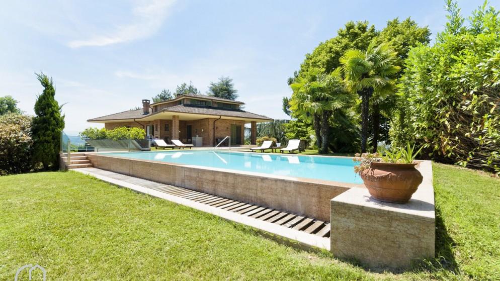 3. Una villa ad Alba (CN) prenotabile sul portale italianway.house _Antiche Serre 6