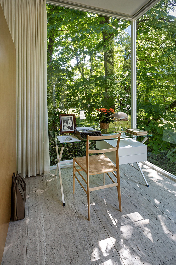 Farnsworth-House-photography-William-Zbaren-11