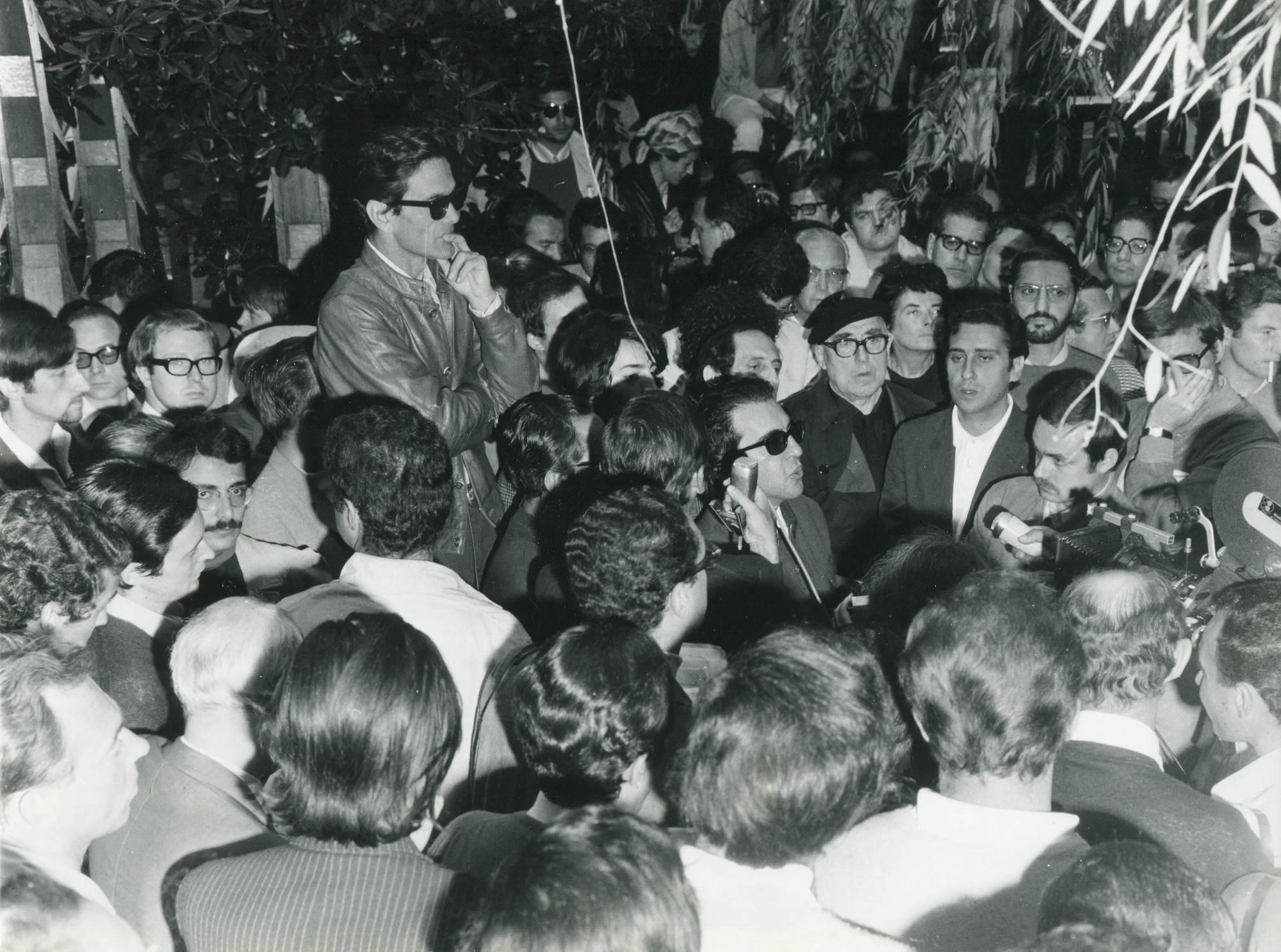 cinema3_f_cinema_contestazione_pier_paolo_pasolini_foto_giacomelli_C_444_1968_2_6_recto