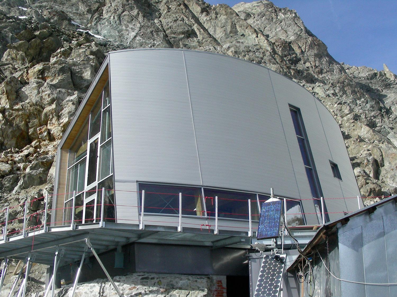 6 rifugi alpini spettacolari - Foto
