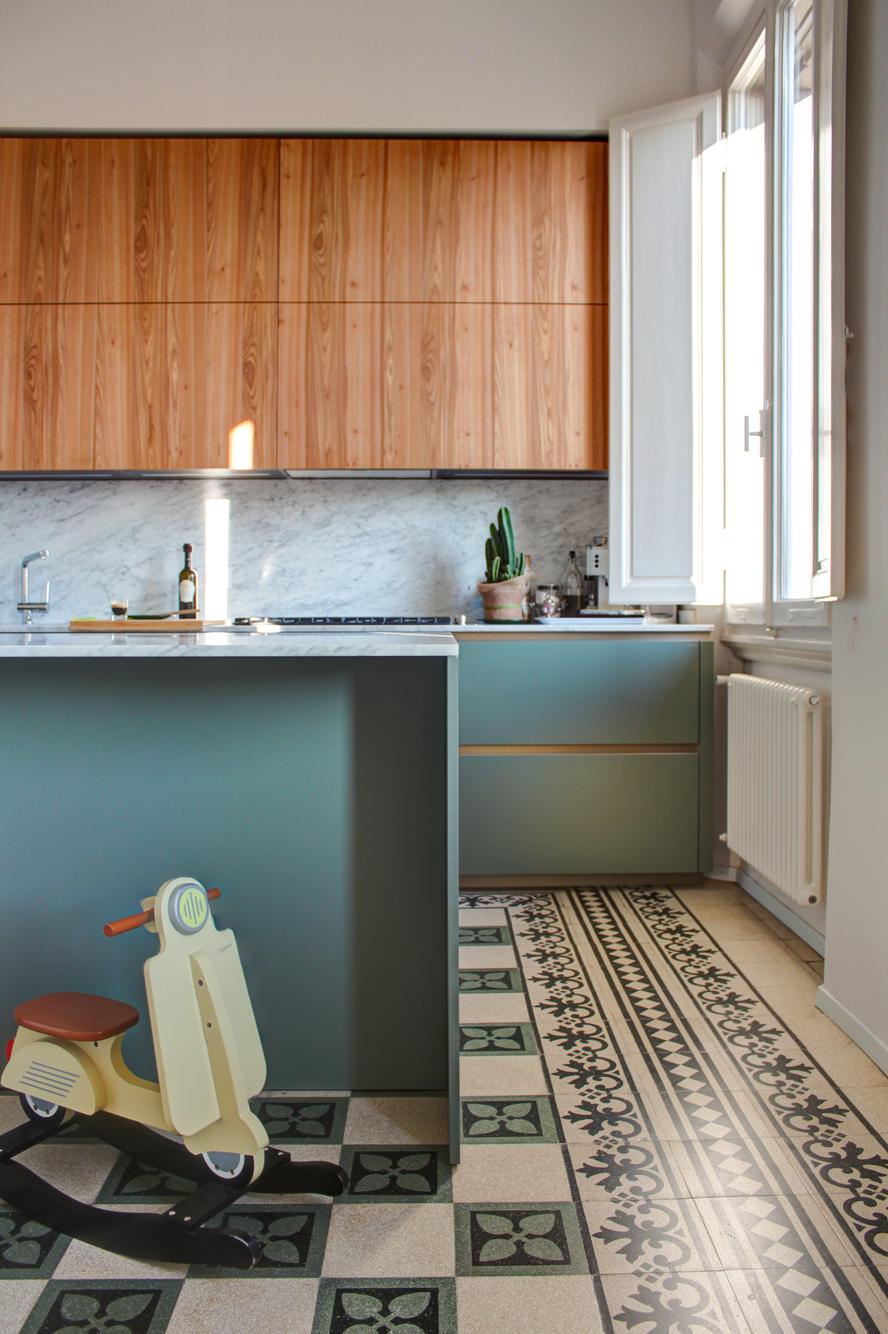 1 Cucina dettaglio pavimento-foto Filippo M. Messeri