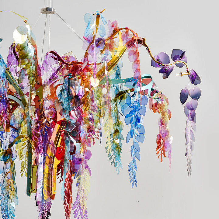 10 Nilufar _ Detail of Wisteria chandelier by Bethan Laura Wood ©EMANUELE TORTORAtif