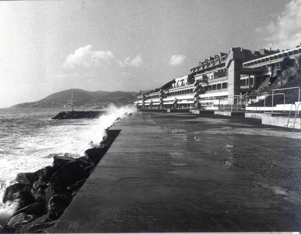 11 Complesso residenziale Marina Grande Arenzano 1960-65 2_fotografo sconosciuto.jpg