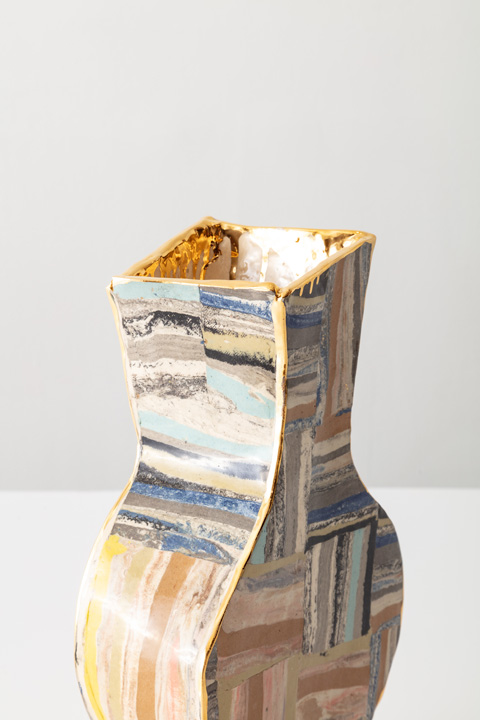 11 R & Company _ Unique slab vase in glazed ceramic by Katie Stout - Photo credit_ Joe Kramm, Courtesy of R & Companyr82-33