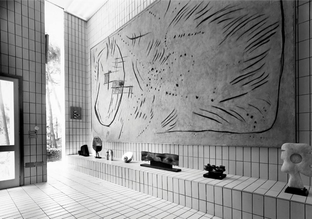 3. Casa Museo Remo Brindisi, 1967-71, Lido di Spina (FE), with work by Lucio Fontana, Courtesy Archivio Nanda Vigo, Milano. Photo Gabriele Tocchio