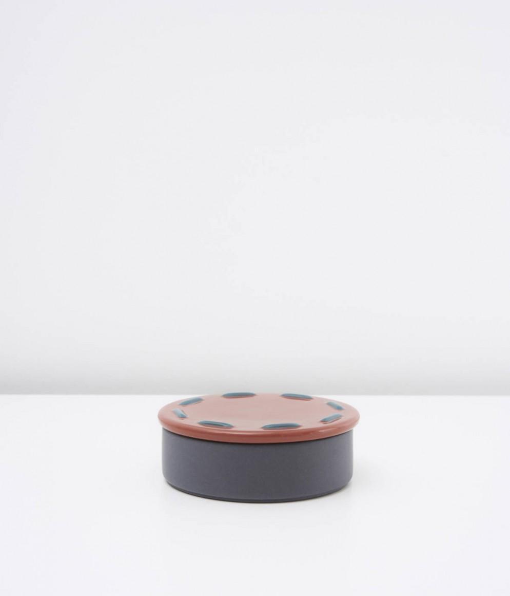 Boîte ronde Automne - Collection Intérieur aux Aubergines par Cristina Celestino pour Maison Matisse © Fabrice Gousset