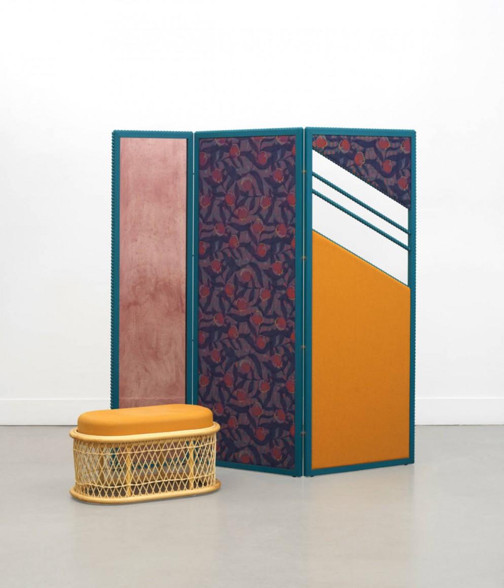 Paravent Reflet - vert et table ovale Bianca - Collection Intérieur aux Aubergines par Cristina Celestino pour Maison Matisse © Fabrice Gousset
