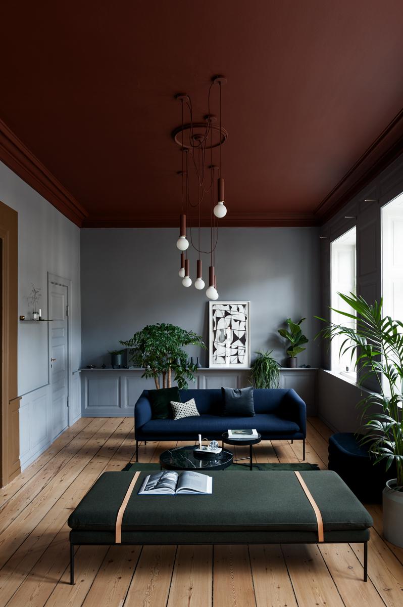 color-bordeaux-pareti-abbinamenti-11. casa-copenhagen-living-corriere-01