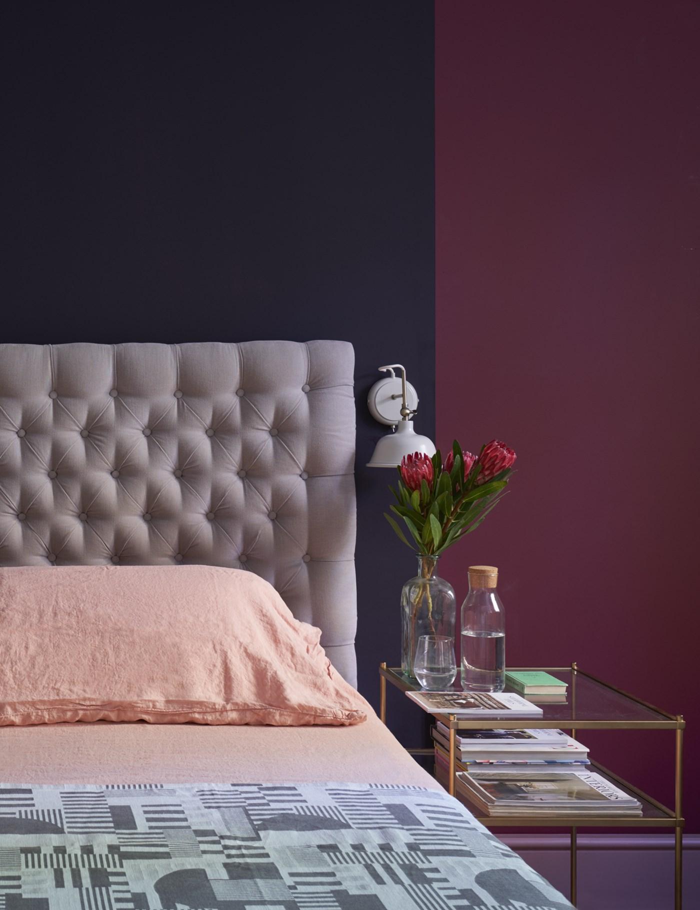 colore bordeaux in camera da letto