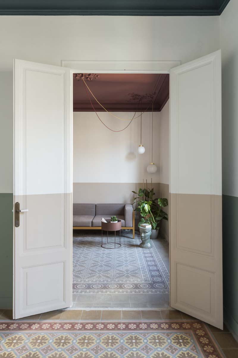 color-bordeaux-pareti-abbinamenti-8. Klinker-Apartment-Barcellona-CaSA-Photo-Roberto-Ruiz-14