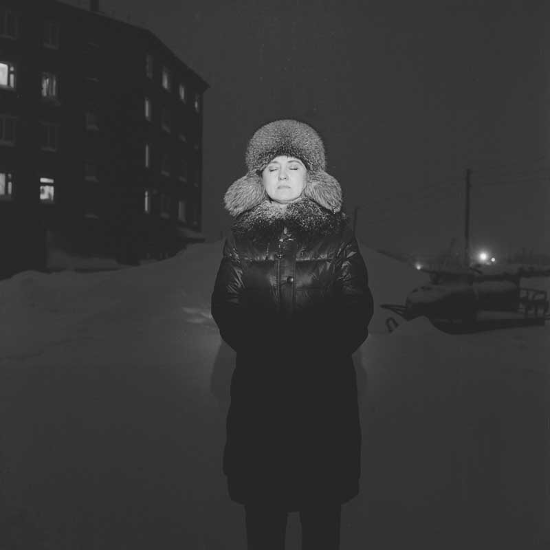 fondaz modena Georgs Avetisjans, Irina Shinova in Igarka, Russia _ From the series Motherland. Far Beyond the Polar Circle, 2020