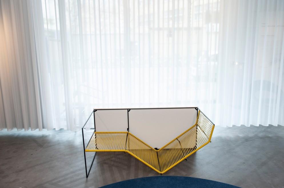 la-chaise-renversée-03