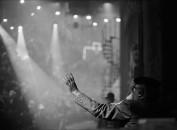 Federico Fellini sul set di La città delle donne, Cinecittà, Roma, 1979  Photograph by Jacques Henri Lartigue © Ministère de la Culture (France), MAP-AAJHL