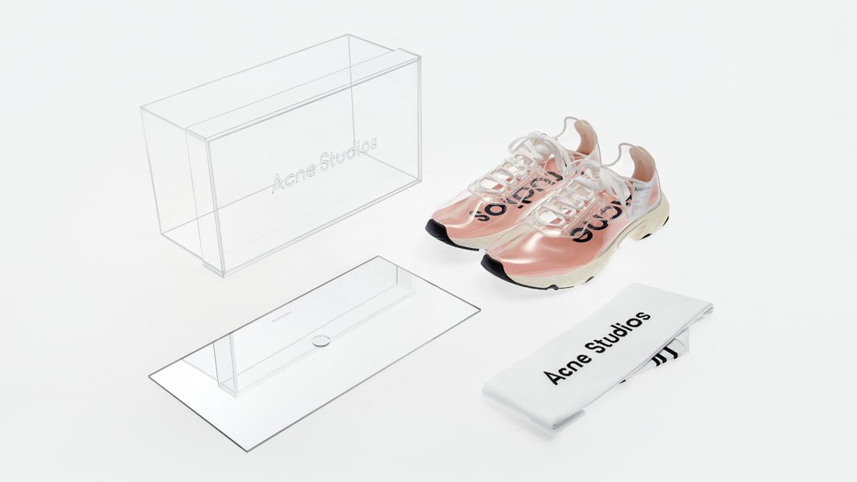 N3W, le sneaker trasparenti di Acne Studios- Foto