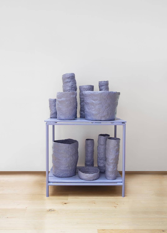 Paolo Gonzato, PASTICHE (Monochrome ), 2020, ceramica smaltata, legno, ferro, courtesy Officine Saffi and the artist
