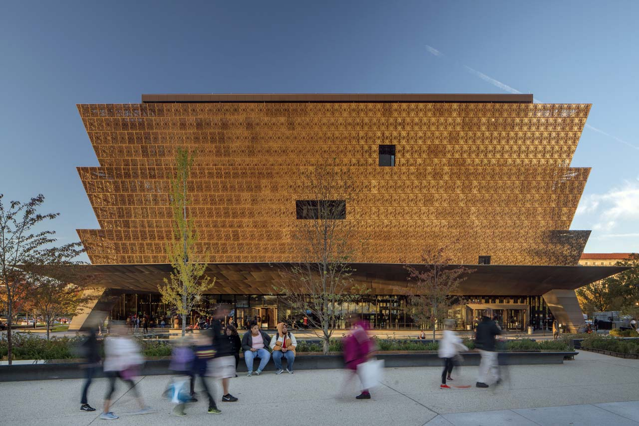 Smithsonian-National-Museum-of-African-American-Arts-and-Culture-Washington-DC-by-David-Adjaye-photographer_-Nic-Lehoux