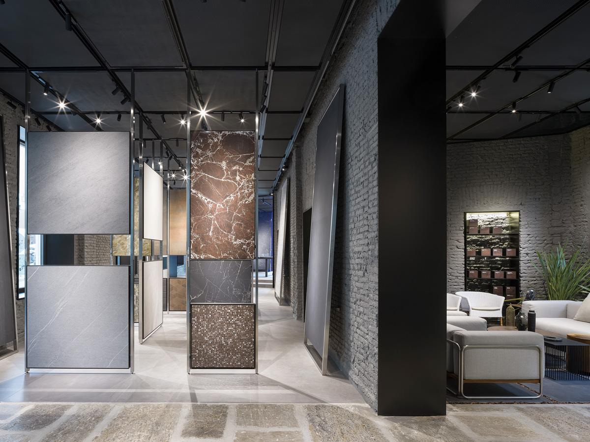 Piero Lissoni firma il nuovo showroom di Atlas Concorde in Brera - Foto