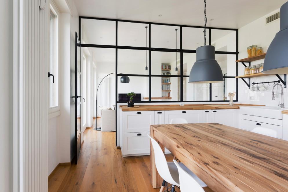 cucina bilocale trasparente