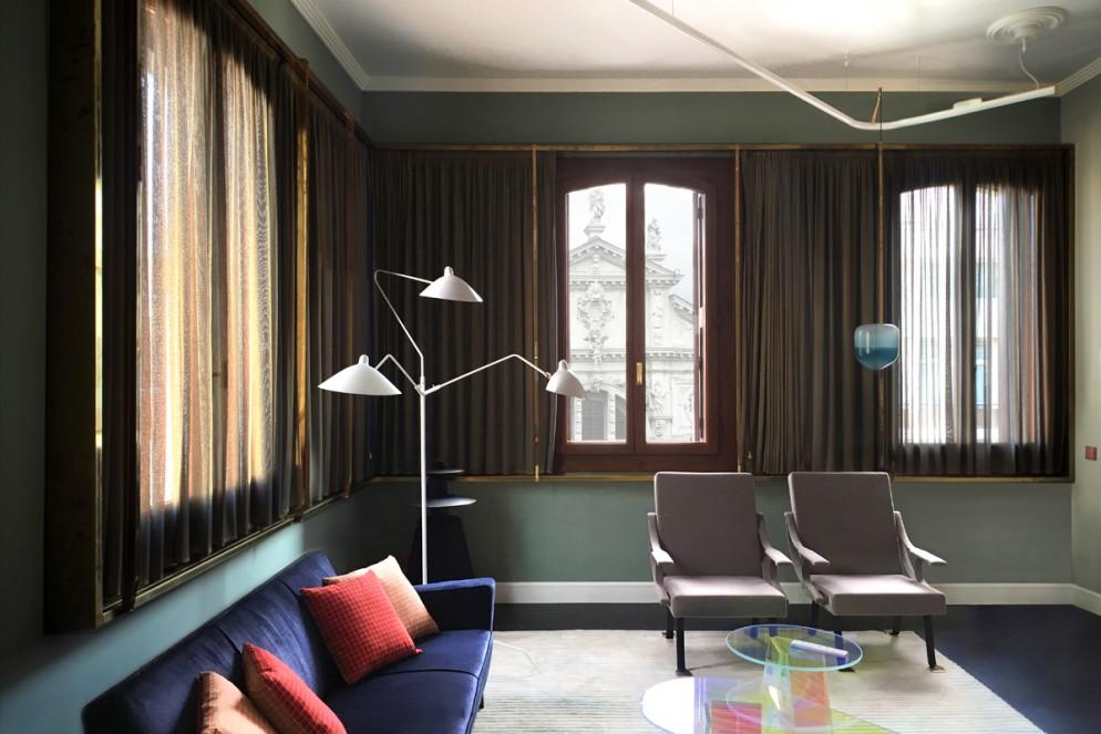 tende moderne salotto cornici