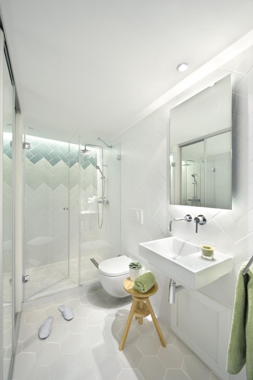 1-mattonelle-bagno-idee-appartamento-barcellona-living-corriere