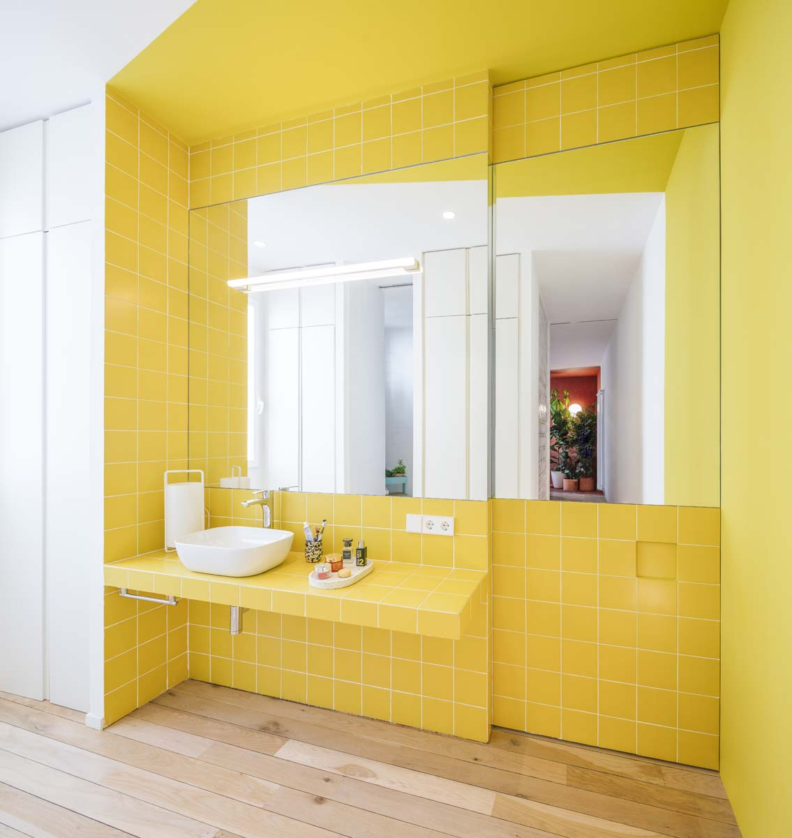 20-mattonelle-bagno-idee-appartamento-madrid-gon-ana-torres-foto-imagen-subliminal-living-corriere