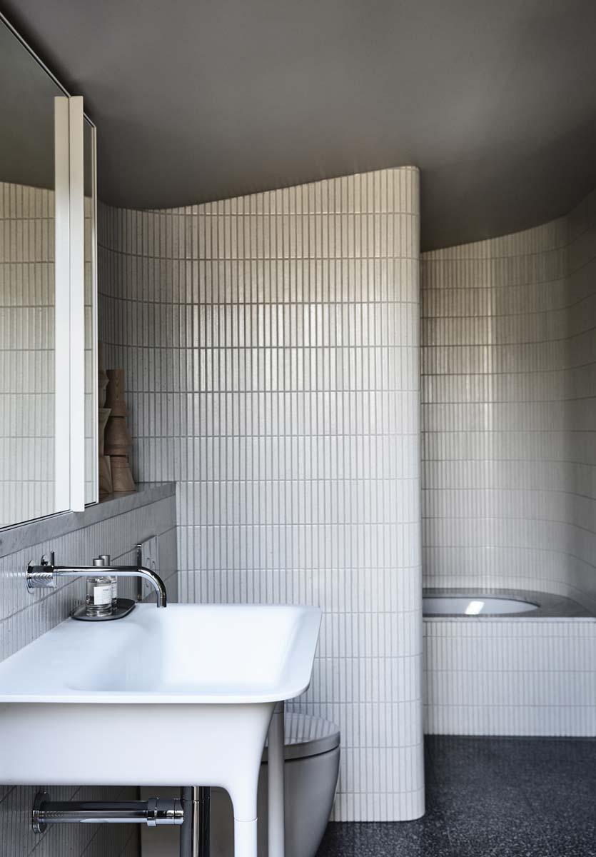 8-mattonelle-bagno-idee-Kennedy-Nolan-Architect-Caroline-House-Foto-Derek-Swalwell-living-corriere