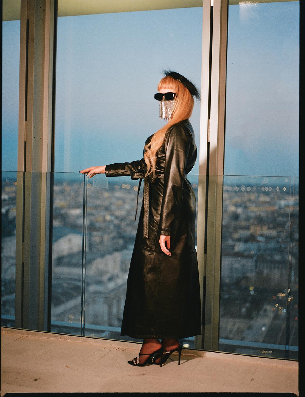M¥SS KETA ha scelto il grattacielo Torre Galfa di Milano per il lancio del suo nuovo album IL CIELO NON È UN LIMITE. Foto Dario Pigato