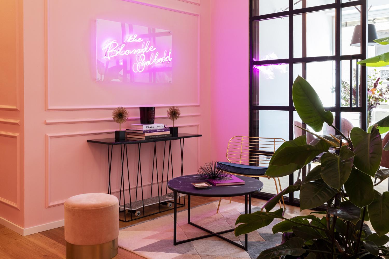Chiara Ferragni, il nuovo ufficio a Milano tra stile jungle e rétro