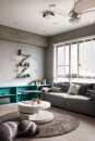 divano-grigio-abbinare-cuscini-tappeto-hao-interior-design-living-corriere