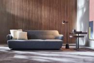 divano-grigio-abbinare-cuscini-tappeto-moltenic_south-kensington-living-corriere
