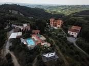 hotel-yoga-e-meditazione-livingcorriere-Villa-Lena_ph_David-Kaliga