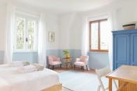 hotel-yoga-e-meditazione-livingcorriere-Villa-Lena_ph_David-Kaliga.jpgVilla Lena San Michele Bedroom - Credit Niklas Adrian Vindelev