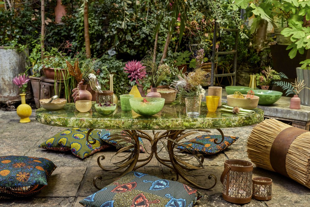 LIVING_TABLE_GREEN_273