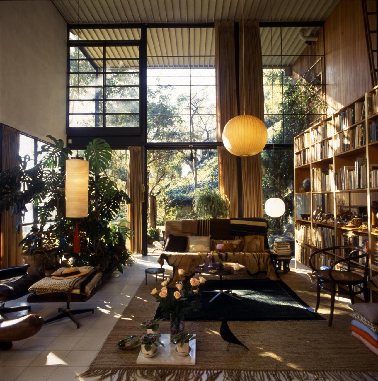 Foto Antonia Mulas.© Eames Office LLC. Courtesy Barbican Art Gallery