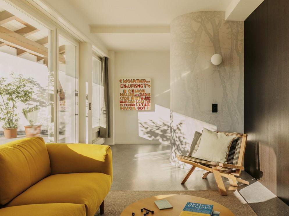 volkshaus-basel-room-terrace-suite-window-crobert_rieger-0367