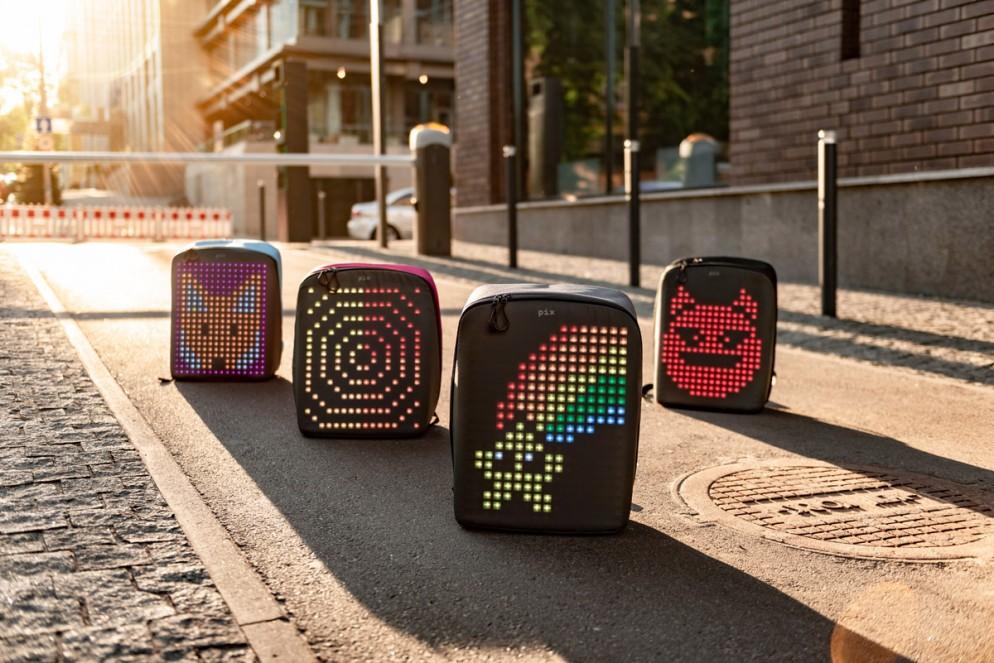 zaino-digitale-led-ricaricabile-pix-backpack-08