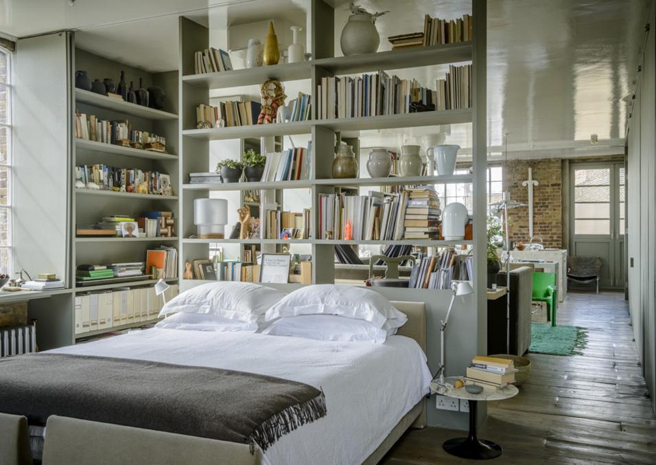 arredare-casa-2021-libreria-divisoria-pinterest-predicts