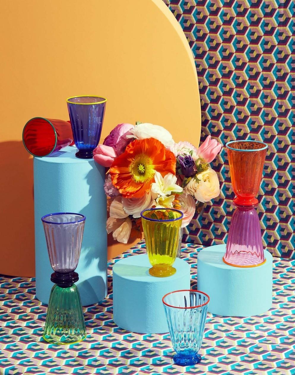 arredare-casa-2021-bicchieri-colorati-pinterest-predicts