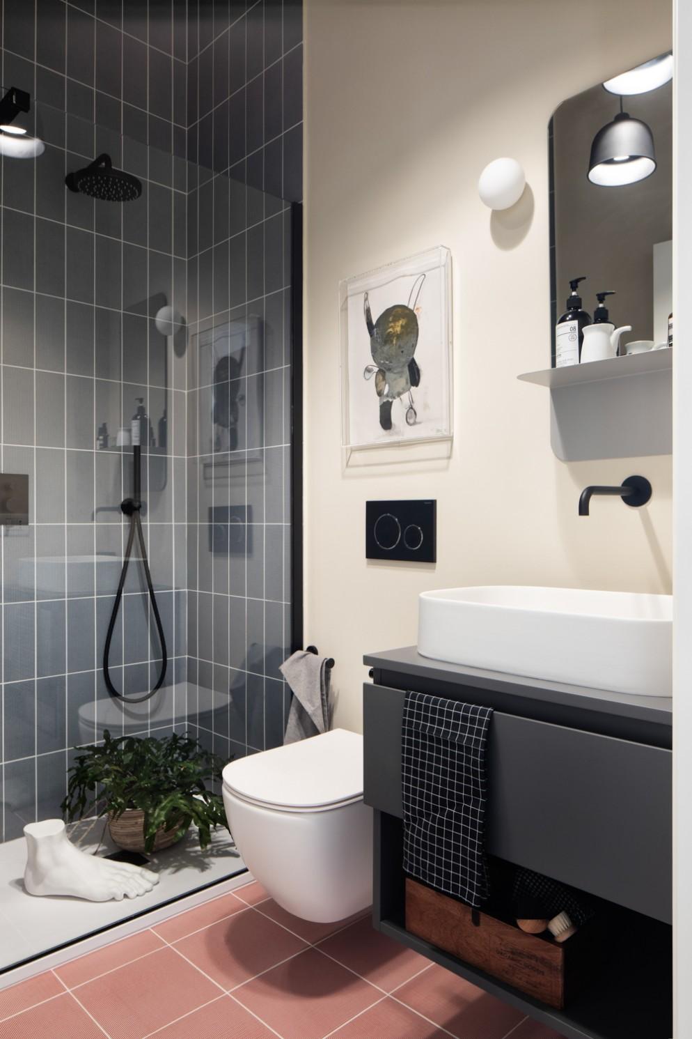 Bagno moderno rubinetteria nera