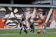 Alice Mantovani e Andrea Scuratti - Comune di Milano. Inaugurazione del murales dedicato a Dario Fo e Franca Rame alla Civica Scuola Paolo Grassi