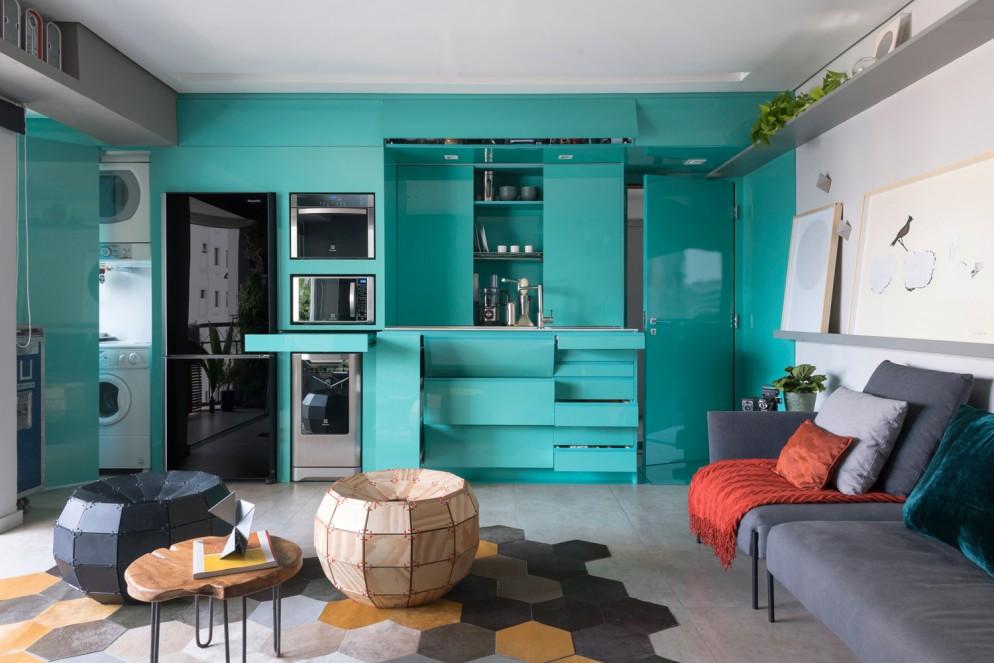 dividere-cucina-soggiorno-turchese