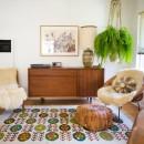 felce-da-interno-1. Apartment Therapy-living-corriere